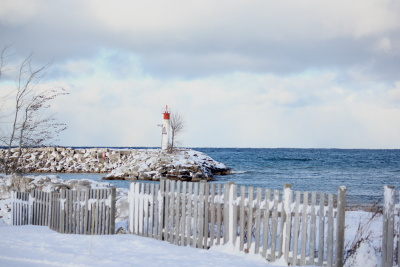 Meaford lighthouse in winter